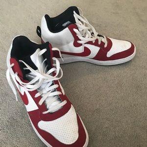 LIKE NEW Nike Court Borough Mid • Basketball shoes